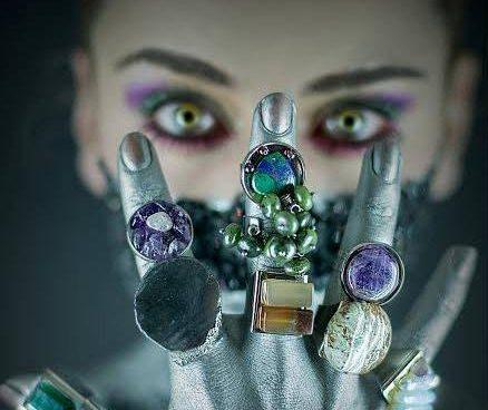Foto : Oscar Nizo  Styling : Carolina Katessen  Make Up : Magy Avila  Agencia de modelos : Portada Talents  Modelo : Maria Ruiz  Diseño y producción: Lorena Ochoa Rubi