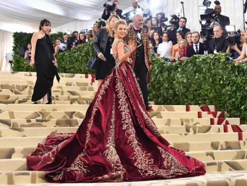 blake-lively-met-gala-on-may-7-2018-at-the-metropolita