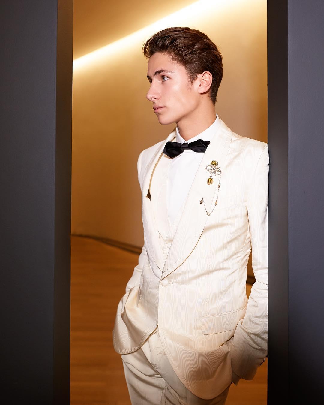 Juan Pa Zurita desfila para Dolce & Gabbana